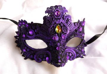 Purple lace Petite Mask (1)